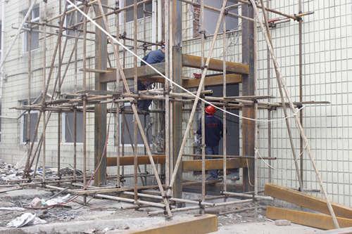 公司浅谈液压电梯的组成结构